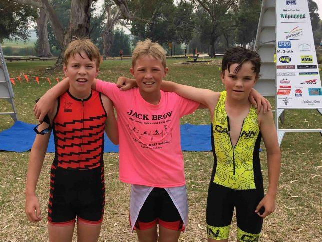 Junior triathlon finish